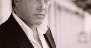 Lochlyn Munro, actor