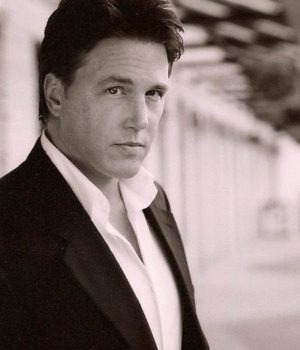 Lochlyn Munro, actor