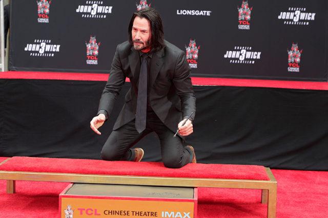 Keanu Reeves Signature in Concrete, image,