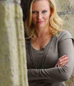 Emily Holmes, actress,