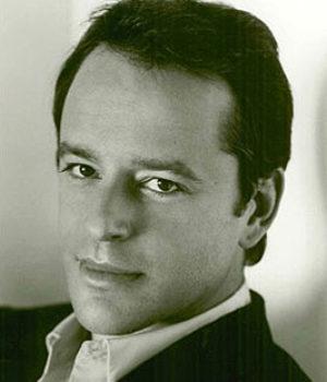 Gil Bellows, actor,