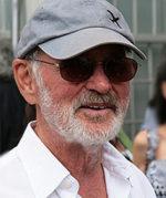 Norman Jewison, direcfor,