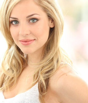 MacKenzie Porter, actress, singer,