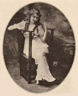 This image of Mary Pickford was scanned from an original in the Northernstars Collection.